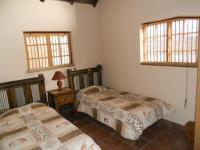 Bed Room 1 - 15 square meters of property in Boschkop