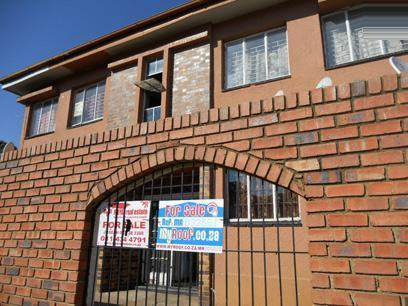 Apartment for Sale For Sale in Turffontein - Private Sale - MR072851