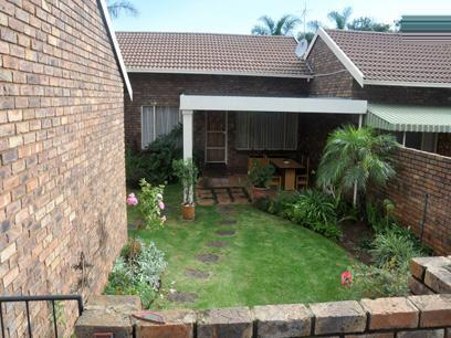 3 Bedroom Simplex for Sale For Sale in Pierre van Ryneveld - Private Sale - MR072853