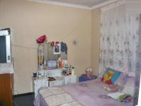 Bed Room 1 - 8 square meters of property in Corlett Gardens