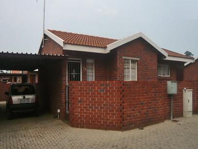 2 Bedroom Simplex For Sale in Krugersdorp - Private Sale - MR07300