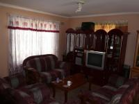 Lounges - 26 square meters of property in Kraaifontein