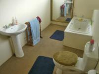 Main Bathroom - 4 square meters of property in Chartwell A.H.