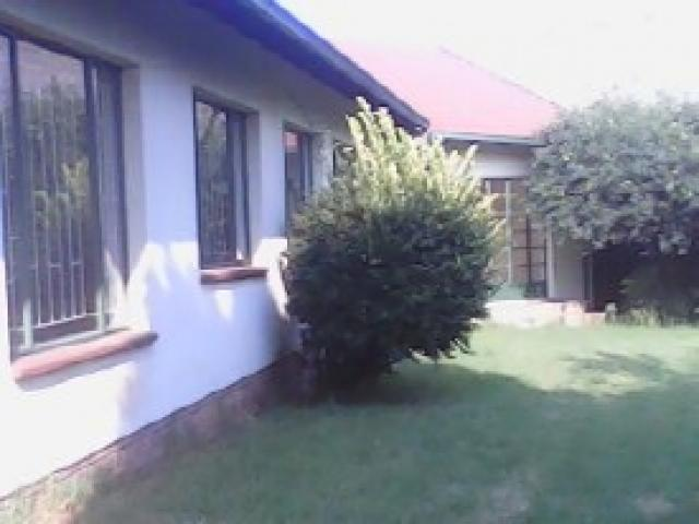 Standard Bank EasySell 4 Bedroom House For Sale in Brakpan - MR073128