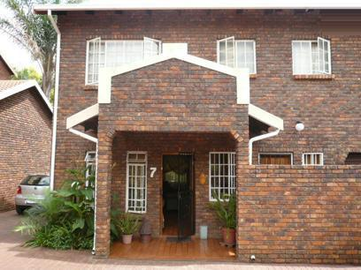 3 Bedroom Duet for Sale For Sale in Newlands - Private Sale - MR07314