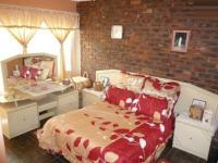 Main Bedroom - 14 square meters of property in Newlands
