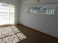 Main Bedroom - 22 square meters of property in Dunnottar