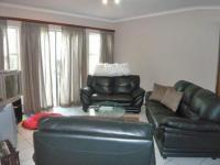 Lounges - 8 square meters of property in Radiokop