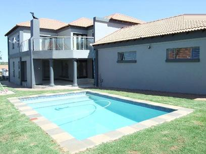 4 Bedroom House For Sale in Middelburg - MP - Private Sale - MR073174