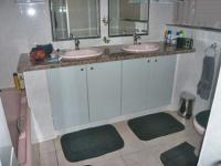 Main Bathroom - 3 square meters of property in Linksfield
