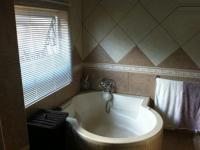 Main Bathroom - 10 square meters of property in Mokopane (Potgietersrust)