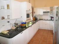Kitchen - 10 square meters of property in Hartbeespoort