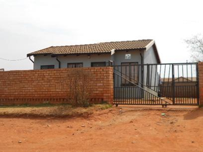 Standard Bank Repossessed 2 Bedroom House for Sale For Sale in Roodekop - MR073482