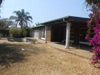 4 Bedroom 2 Bathroom in Dorandia