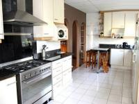 Kitchen - 30 square meters of property in Brackendowns