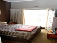 Bed Room 1 - 12 square meters of property in Brackendowns