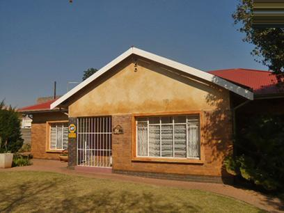 6 Bedroom House for Sale For Sale in Kempton Park - Home Sell - MR07378