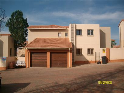 4 Bedroom Duplex to Rent To Rent in Johannesburg North - Private Rental - MR07379