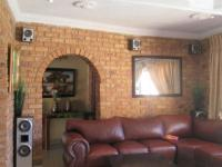 Lounges - 44 square meters of property in Meredale
