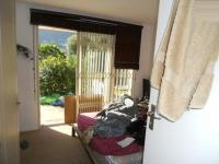 Bed Room 1 - 18 square meters of property in Hout Bay