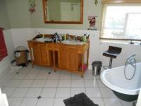 Main Bathroom of property in Hout Bay
