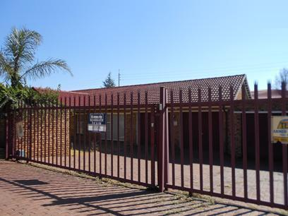 Standard Bank EasySell 4 Bedroom House for Sale For Sale in Krugersdorp - MR073847