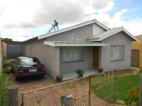 3 Bedroom 1 Bathroom in Uitenhage Upper Central