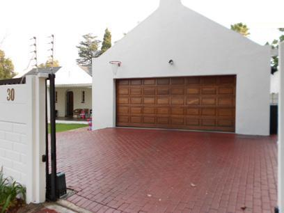 3 Bedroom House for Sale For Sale in Hurlingham - Home Sell - MR074015