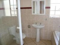 Main Bathroom - 7 square meters of property in Annlin
