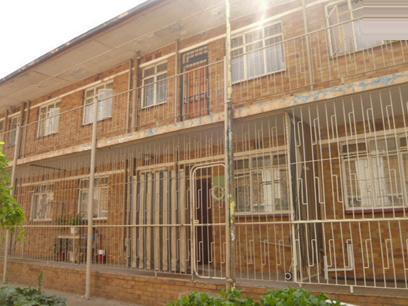 2 Bedroom Apartment For Sale in Vanderbijlpark - Home Sell - MR07408