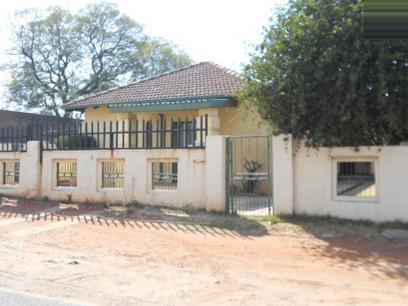 Standard Bank EasySell 3 Bedroom House for Sale For Sale in Roodepoort - MR074157