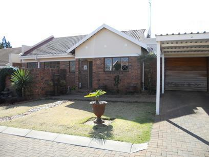 3 Bedroom Cluster for Sale For Sale in Klerksdorp - Private Sale - MR074191