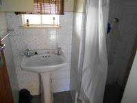 Bathroom 1 - 5 square meters of property in Witpoortjie