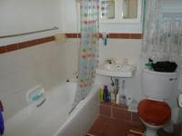 Bathroom 1 - 3 square meters of property in Moregloed