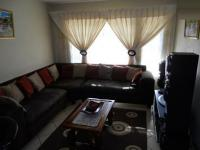 Lounges - 18 square meters of property in Karenpark
