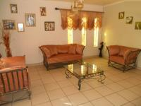 Lounges - 23 square meters of property in Bronkhorstspruit