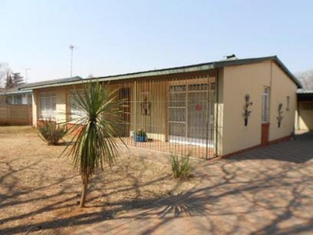 Standard Bank Repossessed 3 Bedroom House for Sale on online auction in Sasolburg - MR074420