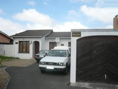 3 Bedroom House For Sale in Parow Central - Private Sale - MR07451