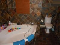 Main Bathroom - 7 square meters of property in Brakpan