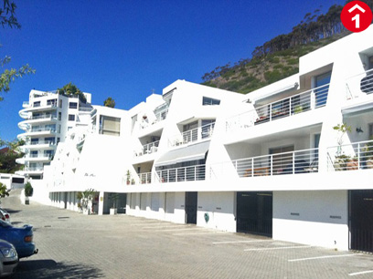 2 Bedroom Apartment to Rent To Rent in Sea Point - Private Rental - MR074667