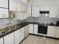 Kitchen - 16 square meters of property in Crystal Park