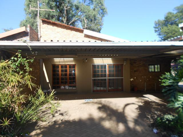 Standard Bank Repossessed 3 Bedroom House for Sale on online auction in Sunward park - MR074837