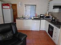 Kitchen - 8 square meters of property in Florida Glen