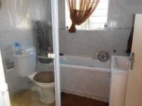 Main Bathroom - 6 square meters of property in Florida Glen