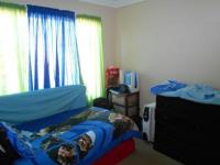 Bed Room 1 - 10 square meters of property in Florida Glen