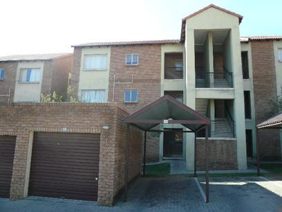 2 Bedroom Simplex for Sale For Sale in Midrand - Home Sell - MR07497