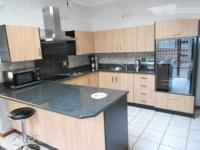Kitchen - 15 square meters of property in Woodmead