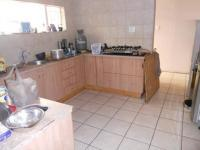 Kitchen - 23 square meters of property in Bergsig - George