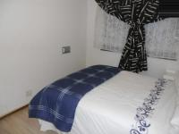 Bed Room 1 - 10 square meters of property in Lansdowne