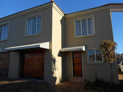 3 Bedroom Sectional Title For Sale in Roodepoort - Home Sell - MR075648